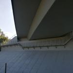 Obslužná kompozitní lávka opěry mostu se zábradlím - most Budča, R1, Slovensko