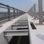 D11 most Žíželice - kompozitní nosníky pro podepření zakrytí zrcadla mostu