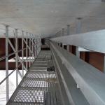 D8 most Trmice - kompozitní revizní lávka s kabelovými boxy pod mostem