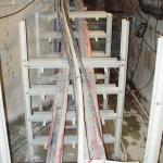 Kolektor Praha - výstavba atypických kompozitních kabelových podpěr