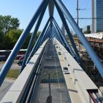 Brno, kabelová lávka nad ul. Křídlovickou - osazení kompozitními kabelovými boxy