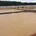 Kamencové jezero - spouštění bazénového dna z kompozitních roštů PREFAPOR