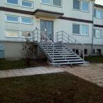 Valtrovice - bytový dům - nově osazené kompozitní schodiště