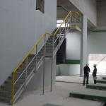ČOV Budapešť - dvouramenné kompozitní schodiště