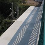 D8, most nad železnicí, Trmice - kompozitní plné kryty jako protidotyková ochrana na mostu nad železnicí